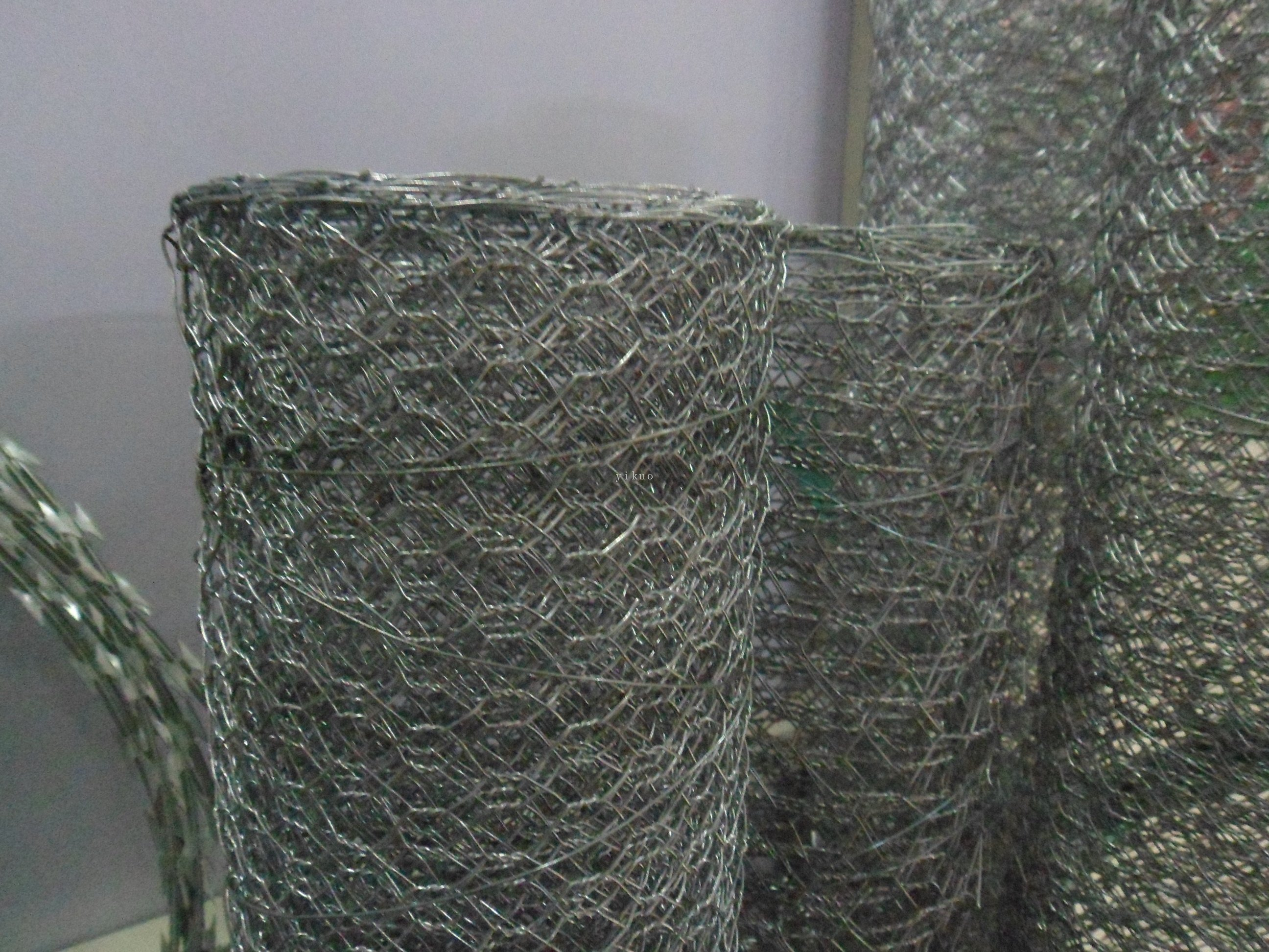pl219581-galvanized iron hexagonal wire netting mesh for boiler cover or poultry fence in construction